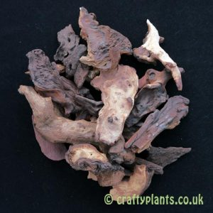 A mixture of bogwood pieces with a total weight of 1kg from craftyplants